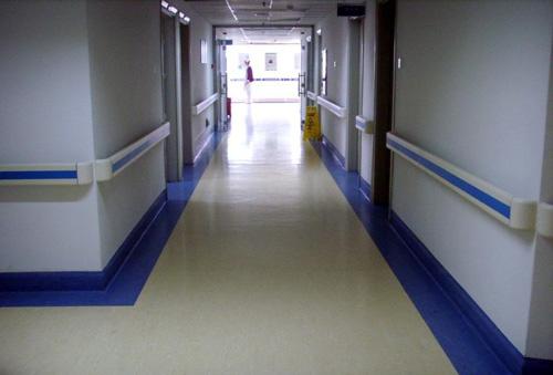有围护结构的走廊